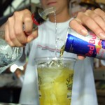 Alcohol, energy drink mix tied to urge to drink: study